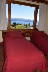 Dormitorio 4 con vista al lago