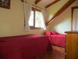 Dormitorio 5 con vista al Cerro Otto