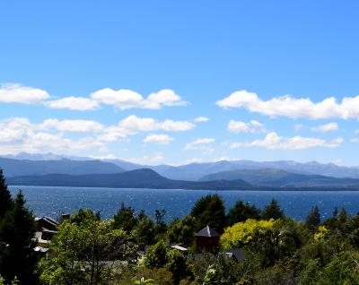 vista sobre el lago en bariloche